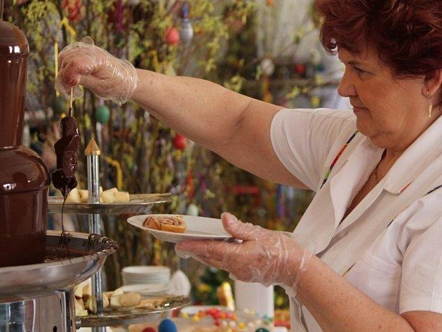 Příjemné překvapení si pro své strávníky připravil včera kolektiv kuchařek ve školní jídelně na Alšově ulici ve Znojmě.