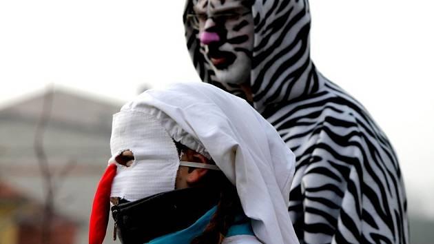 Strachoticemi prošly v sobotu desítky maškar, aby náležitě a rozverně oslavily masopust.