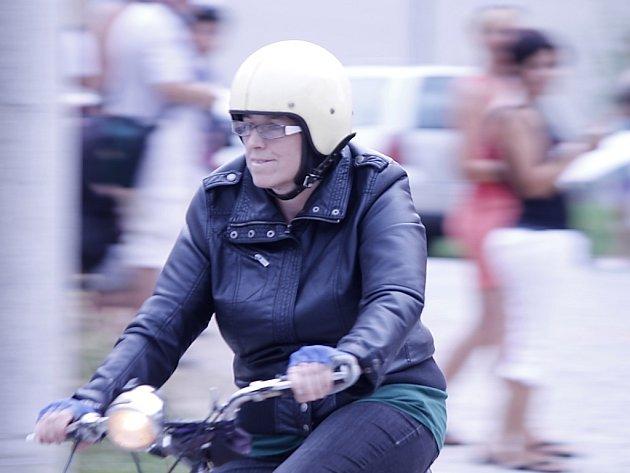 Téměř šest desítek majitelů i majitelek mopedů značky Stadion se sešlo na šestém ročníku dobšického Moped Cupu.