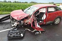 Hromadná nehoda se stala v půlce července na silnici I/52 u Pasohlávek na Brněnsku. Srazil se tam autobus, nákladní a dvě osobní auta.