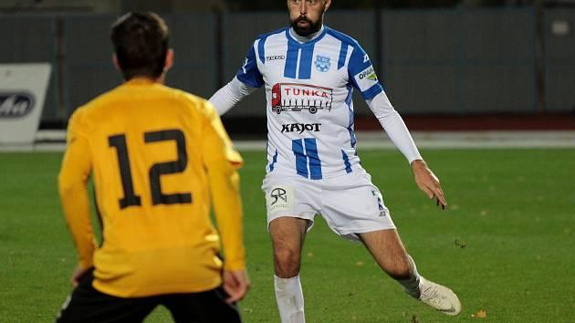 Fotbalisté druholigového Znojma ve 14. kole padli na domácím hřišt proti Baníku Sokolov 1:2.