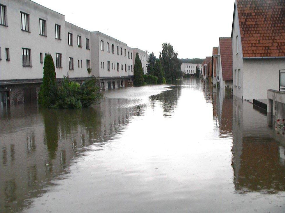 Povodně před 15 lety zasáhly zejména Melkusovu a Krapkovu ulici ve Znojmě.