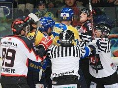 Hokej, 1. liga: Ústí n/Labem vs. Orli Znojmo (v bílém)