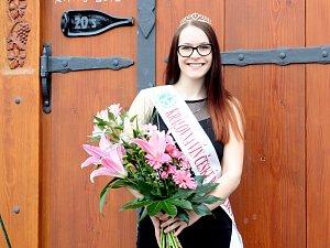 Soutěž Královna vín 2018 vyhrála osmnáctiletá studentka vinařské školy Jana Nápravová z Nového Šaldorfa-Sedlešovic.