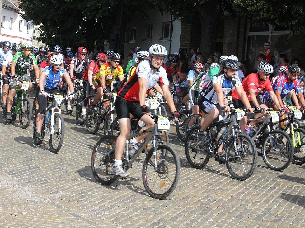 13. ročník cyklistického závodu Vinařská 50 Author Znovin cup.