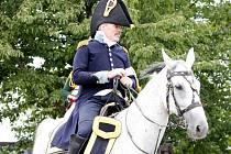 K rekonstrukci bitvy u Znojma z roku 1809 vyrazili letos poprvé vojáci na pochod z rakouského Seefeld-Kadolz. Takto se předvedli u hrádku Lampelberg mezi vinicemi na hranici Moravy a Rakouska.