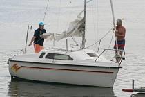 První letošní závod plachetnic na Vranovské přehradě.