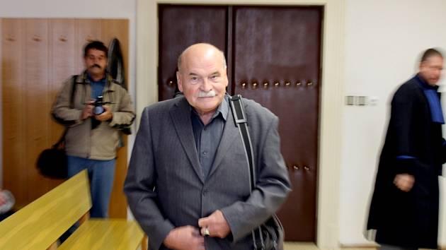 Zbyšek Dřevojan u soudu.