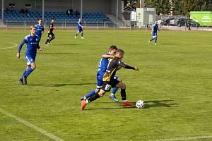 Fotbalisté Znojma (v černém) prohráli s Kroměříží 1:3.