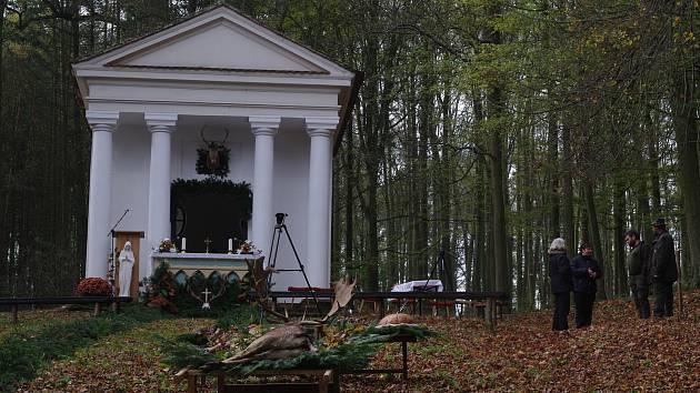 Kaple Marie Schutz, Panny Marie Ochraniitelky, kterou Helena z Mnizsku nechala přestavět z původního Dianina chrámku v lesoparku u vranovského zámku.