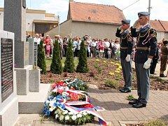 Lidé vzdali v Rešicích hold Adolfu Opálkovi, který byl jedním z organizátorů atentátu na Heydricha.