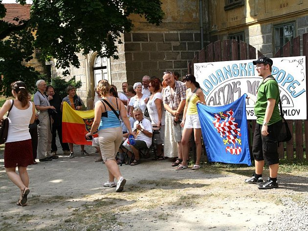 Slovanská epopej Alfonse Muchy v Moravském Krumlově přivítala ve čtvrtek své poslední návštěvníky.