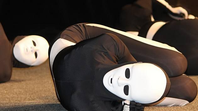 Ve středu 2. dubna zažilo znojemské divadlo maraton vystoupení tanečníků skupiny Mighty Shake