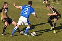 Znojemští fotbalisté na úvod jarní části zdolali Vlaším 2:0.