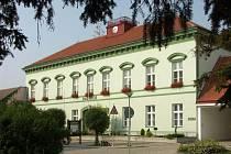 Radnice v Hrušovanech nad Jevišovkou. Ilustrační foto.