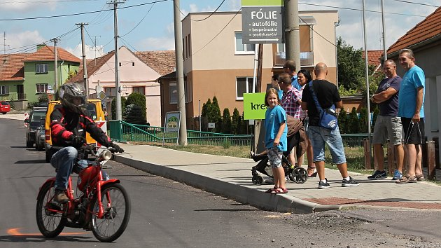 Dobšičtí nadšenci pořádali již podesáté Setkání mopedů.