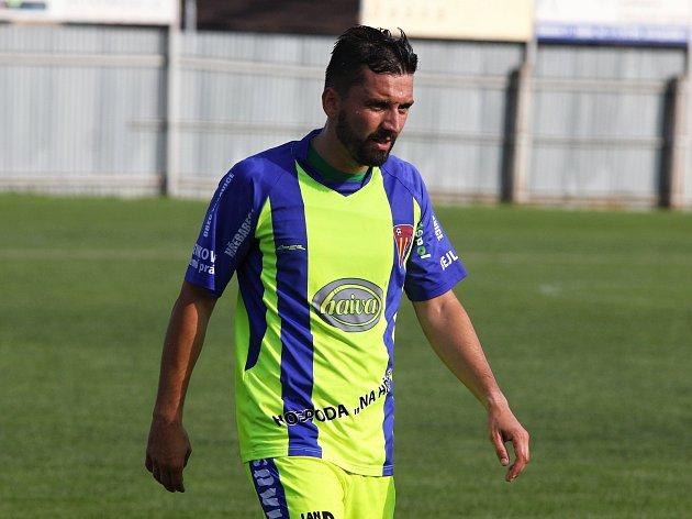 Sto gólů už nastřílel v dresu Tasovic třicetiletý útočník Miroslav Paul.