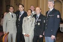 Družstvo znojemských policistů zvítězilo na mezinárodní střelecké soutěži Free Contest 2013.
