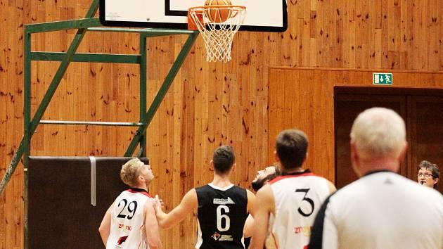 Znojemští basketbalisté schytali dvě prohry. Čekají je poslední domácí utkání