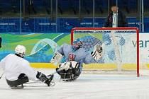 Znojemský brankář Jan Matoušek si užíval v Kanadě tamního prostředí, sledge hokeje i oslav po vyhraném zápase.