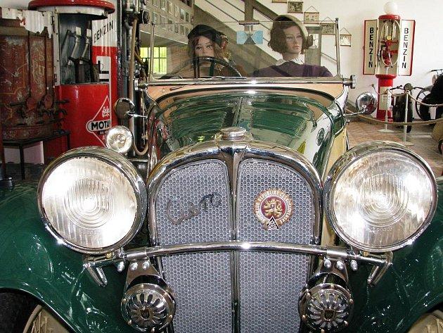 Majitel Muzea motorismu ve Znojmě Jan Drozd totálně zrenovoval starou Aerovku 1000.