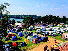 Největší kemp na Vranovsku, Camping Vranovská pláž, přilákal i letos tisíce turistů.