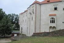 Zámek v Miroslavi