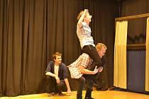 Žádný scénář, čistá improvizace a kopec zábavy. Řeč je o brněnské divadelní skupině Džem Theatre, která ve Znojmě představila své improvizační umění.