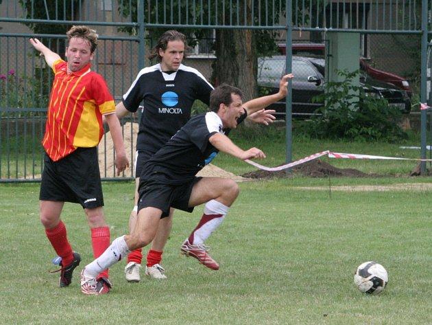 FCUP OPEN 2008. Mezinárodní turnaj v malé kopané byl plný sportu a deště.