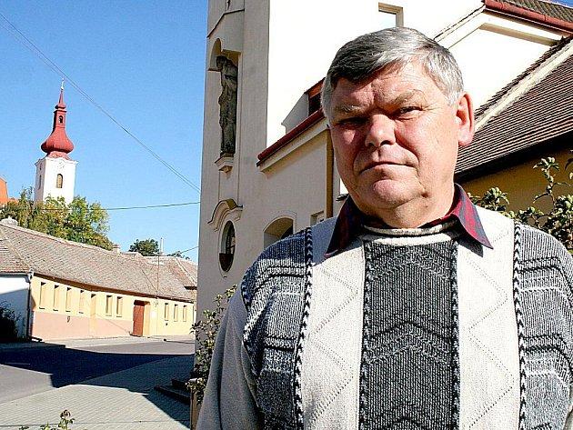 Tasovice vede již devátým rokem Josef Sabáček. Ve vesnici zná každý kámen.