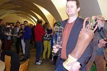 Titul šampiona Znojemského koštu převzal za rodinné vinařství Marek Líbal z Horních Dunajovic.