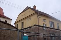 Zateplení některých historických domů v Hodonicích vyvolává kritiku místních i památkářů.