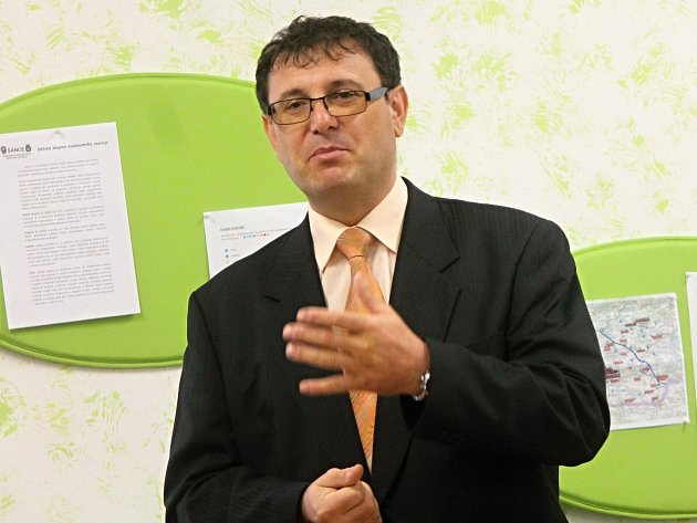 Nové středisko výchovné péče Labyrint představili zástupci krumlovského výchovného ústavu a znojemské radnice.