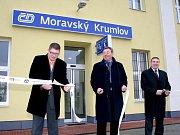 Život na Masarykově náměstí v Moravském Krumlově se zcela zastavil. Při výkopových pracích dělníci narazili na nevybuchlou leteckou pumu z druhé světové války.