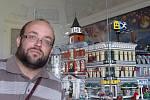 Daniel Sterzik vystavuje část své sbírky Lega na zámku v Miroslavi.