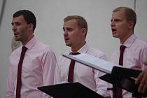 Komediální koncert Gentlemen Singers.
