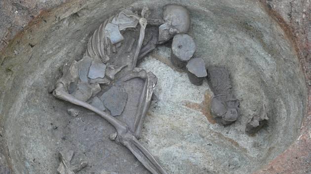 Hrob pravěkého vyvrhele na Horním náměstí