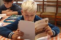 Jevišovická knihovna letos opět soutěží o titul Knihovna jinak. S projektem Putování do pravěku.
