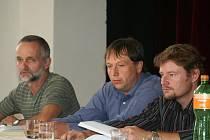 Projednávání plánované stavby větrníků v Pavlicích.