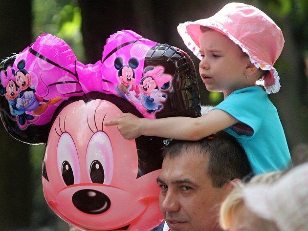 Svůj den slavily stovky dětí ve znojemských parcích.