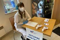 Očkovací centrum ve sportovní hale v Dvořákově ulici ve Znojmě.