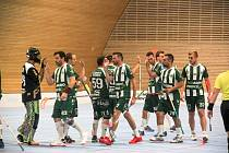 Flrobalisté Hodonice (v zeleném) vyhráli ve čtvrtém kole Poháru Českého florbalu nad týmem Všestar. Porazili jej 11:6.
