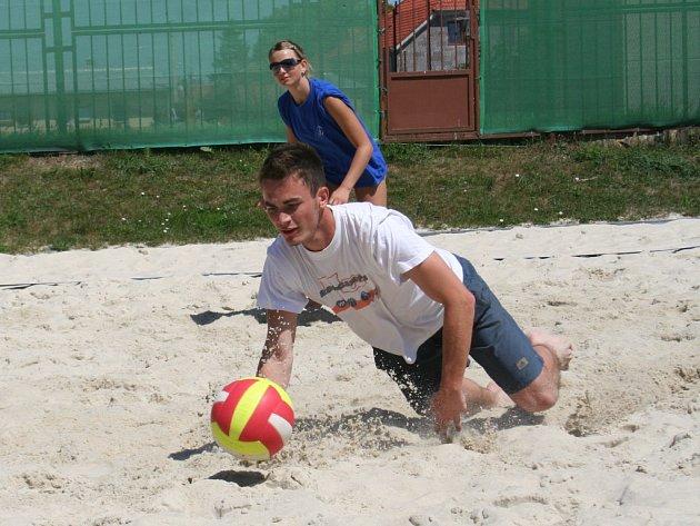 Konkurenci v mezinárodním turnaji okusila i dvojice Doušková – Punar.