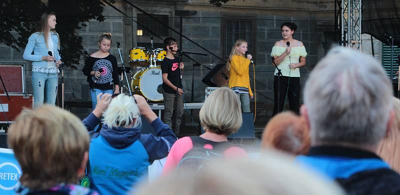 Skvělí zpěváci bavili.