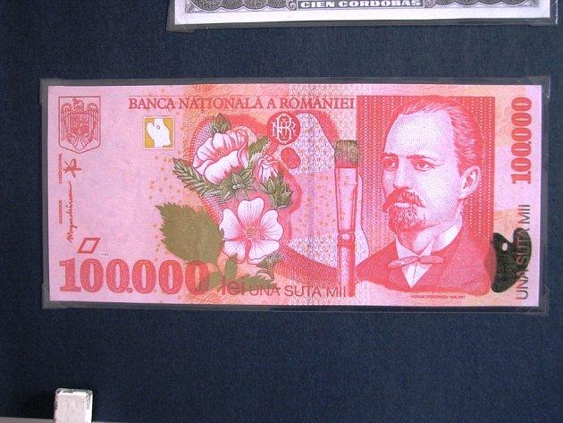 Výstava bankovek z celého světa.