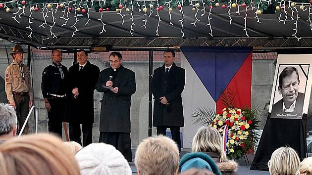 Znojmo se rozloučilo s prezidentem Václavem Havlem.