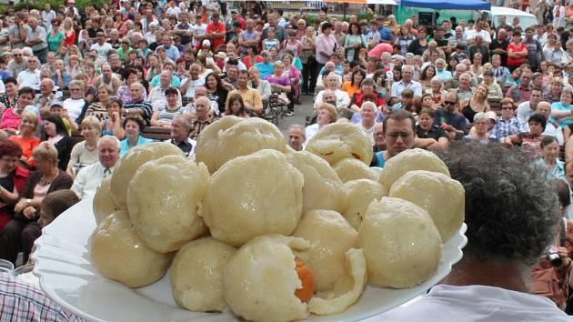 Tradiční Meruňkobraní v Miroslavi: letos zrušeno. Nahradí ho nová Letní slavnost