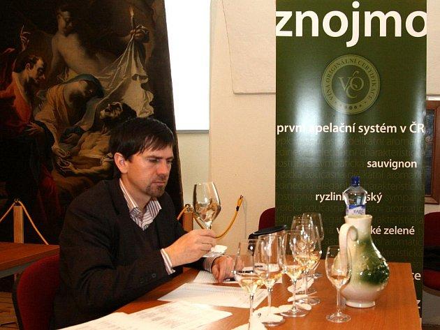 Vinaři vybírali vína VOC