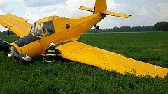 Havárie letadla mezi Dyjákovicemi a Velkým Karlovem
