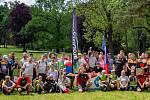 Devadesát hráčů discgolfu předvedlo během posledního květnového víkendu své umění na moravskokrumlovském turnaji první ligy. Dorazilo i několik borců ze Slovenska či Polska.